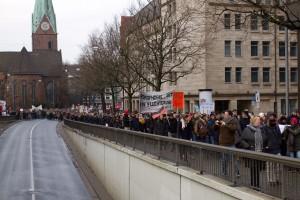 "Transparent auf der Demonstration ""Alternativen zu Deutschland"" am 31. Januar 2015 (CC-BY 2015 Sebastian Raible / @FreakkaerF / Stadtkontext.de)"
